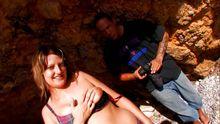 Photographe équipé d'un sexe hors normes se tape le modèle