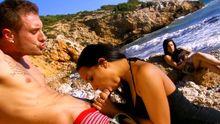 Sur une plage libertine et échangiste ça baise comme pas possible